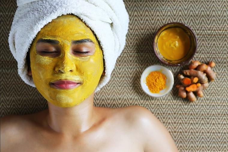 Piling od kurkume za savršeno lice: Dubinski čisti, uklanja mrtve ćelije, skida fleke i sprečava nastanak bubuljica! (RECEPT)