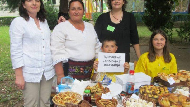 Milosava leči ŠUMSKIM VOĆEM: Med od maslačka i SIRUP OD TRNJINE sve traženiji