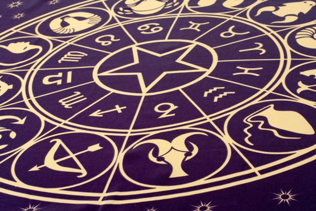HOROSKOP:Rak rasterećen, Lav u tajnoj vezi, Devica konkretna, Vaga u haosu